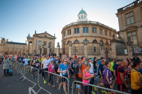 People running at the Oxford Half marathon.