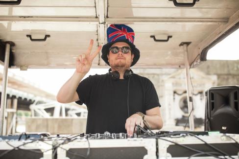 DJ Funster spinning some tracks at the 2017 Virgin Sport British 10k