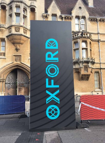 A sign that says Oxford at the Virgin Sport Oxford Half
